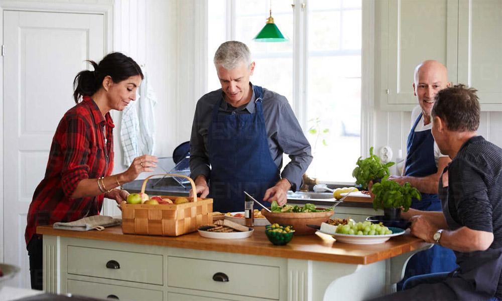 Manger plus souvent à la maison